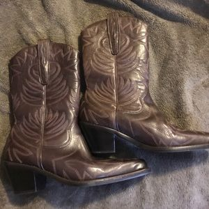 Shoes - Women's Western Boots! Like brand new! Size 7